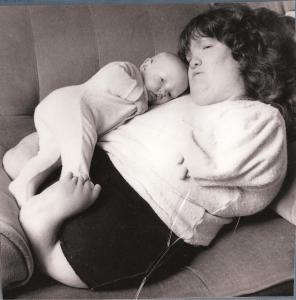 Louise pictured with her baby, Emma