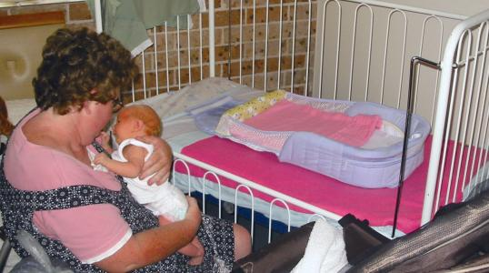 Shona with her baby daughter, Chianne